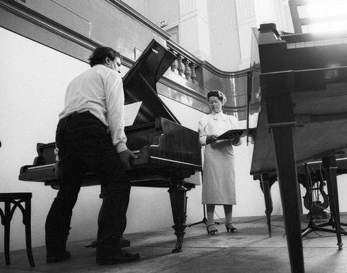 Перевозка пианино. Настройка пианино